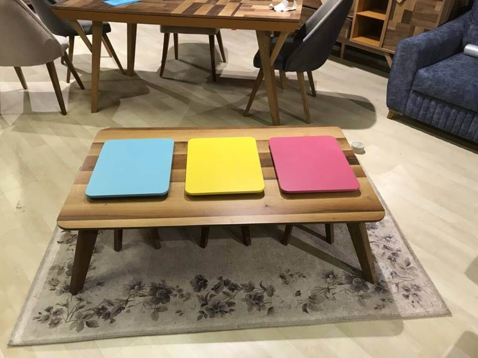 ჟრნალის მაგიდა