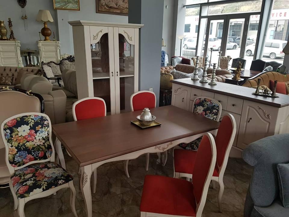 მაგიდა სკამები ახალი რუმინეთიდან მასიური ხე ახალი 2500 ლარი