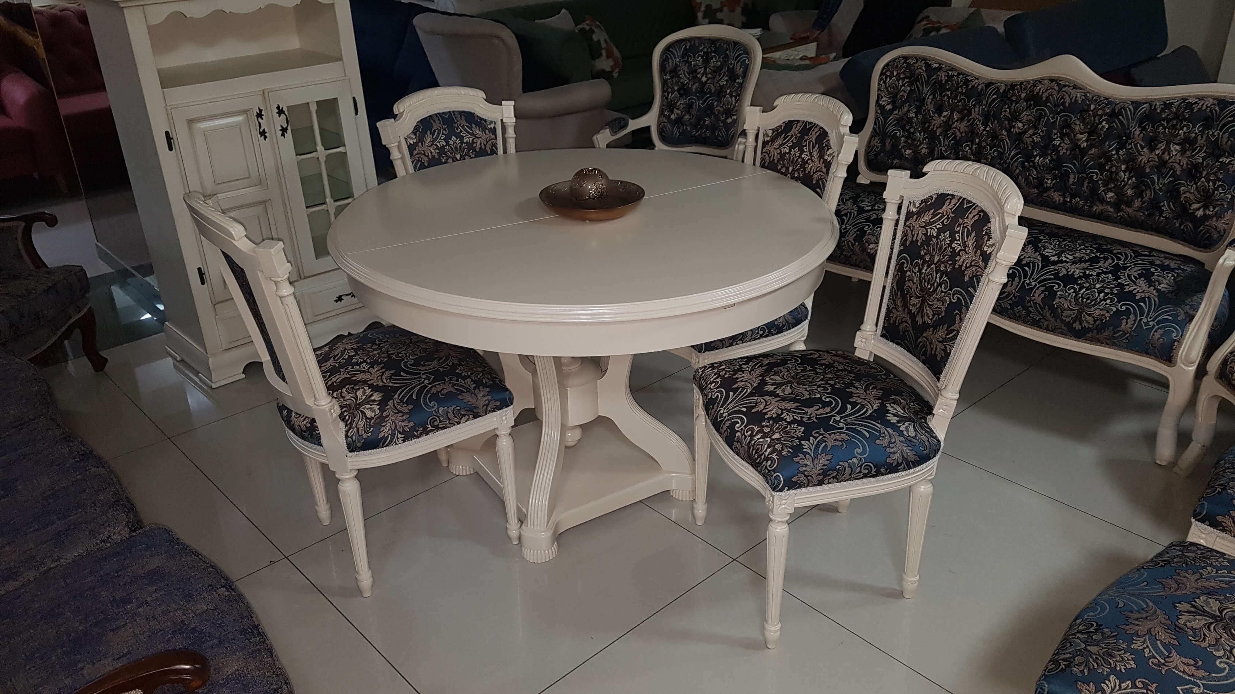 მაგიდა სკამები გასაშლელი მაგიდა 6 სკამით