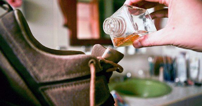 დაივიწყეთ ფეხსაცმლიდან უსიამოვნო სუნის შესახებ- 5 სასარგებლო რჩევა ამ პრობლემის წინააღმდეგ
